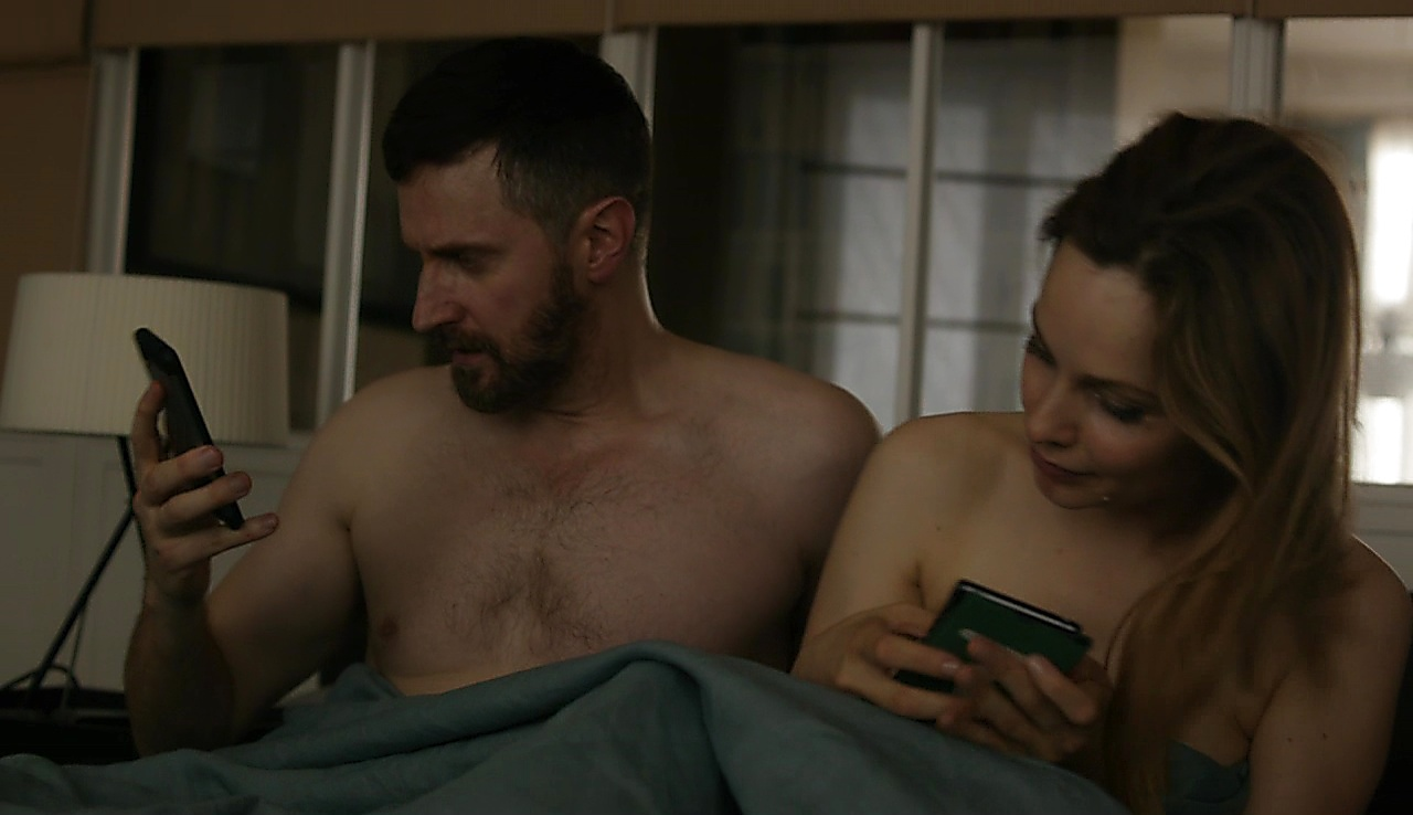 Richard Armitage sexy shirtless scene November 27, 2017, 3pm