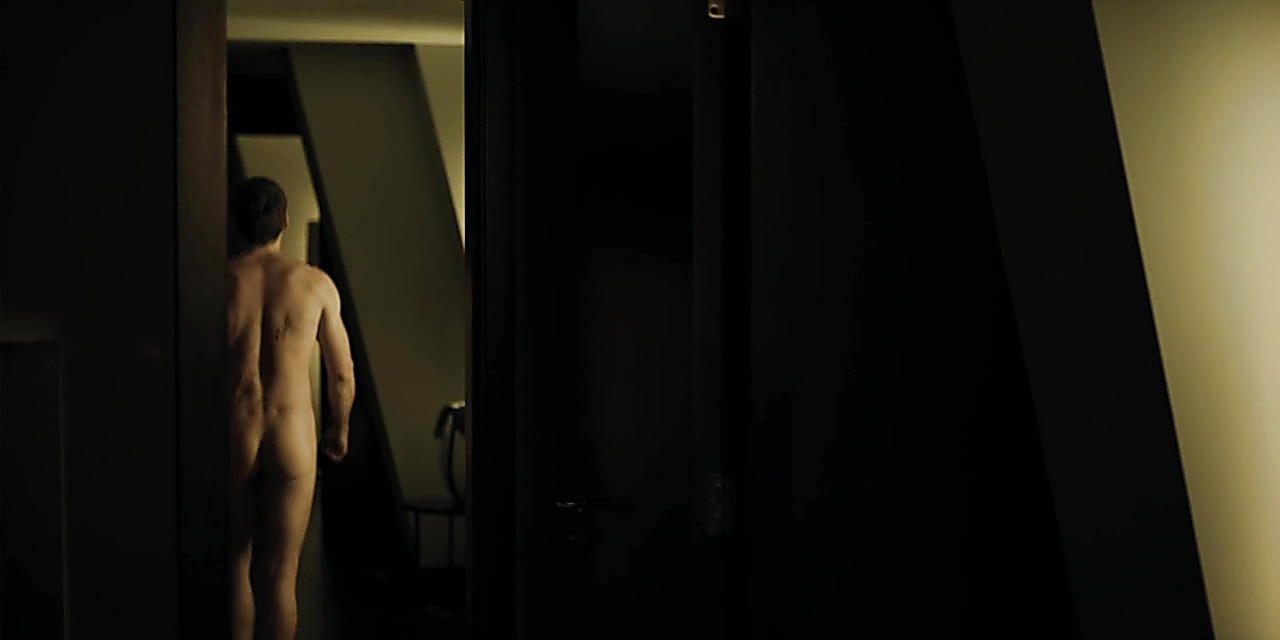 Richard Madden latest sexy shirtless scene September 3, 2018, 2am