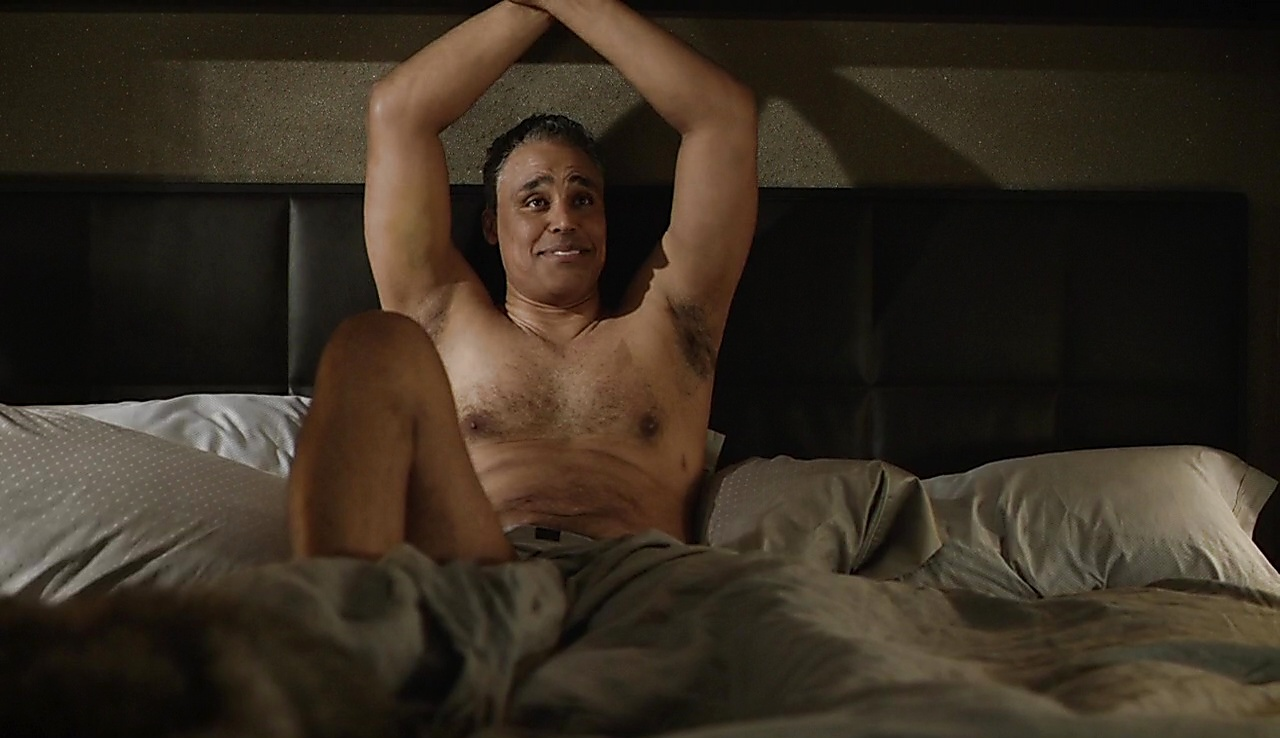 Rick Fox latest sexy shirtless scene September 23, 2017, 2pm