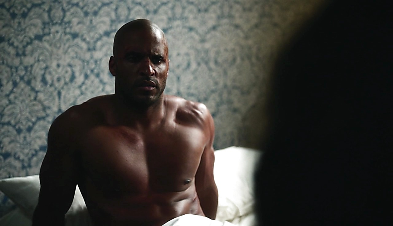 Ricky Whittle sexy shirtless scene May 7, 2017, 12pm