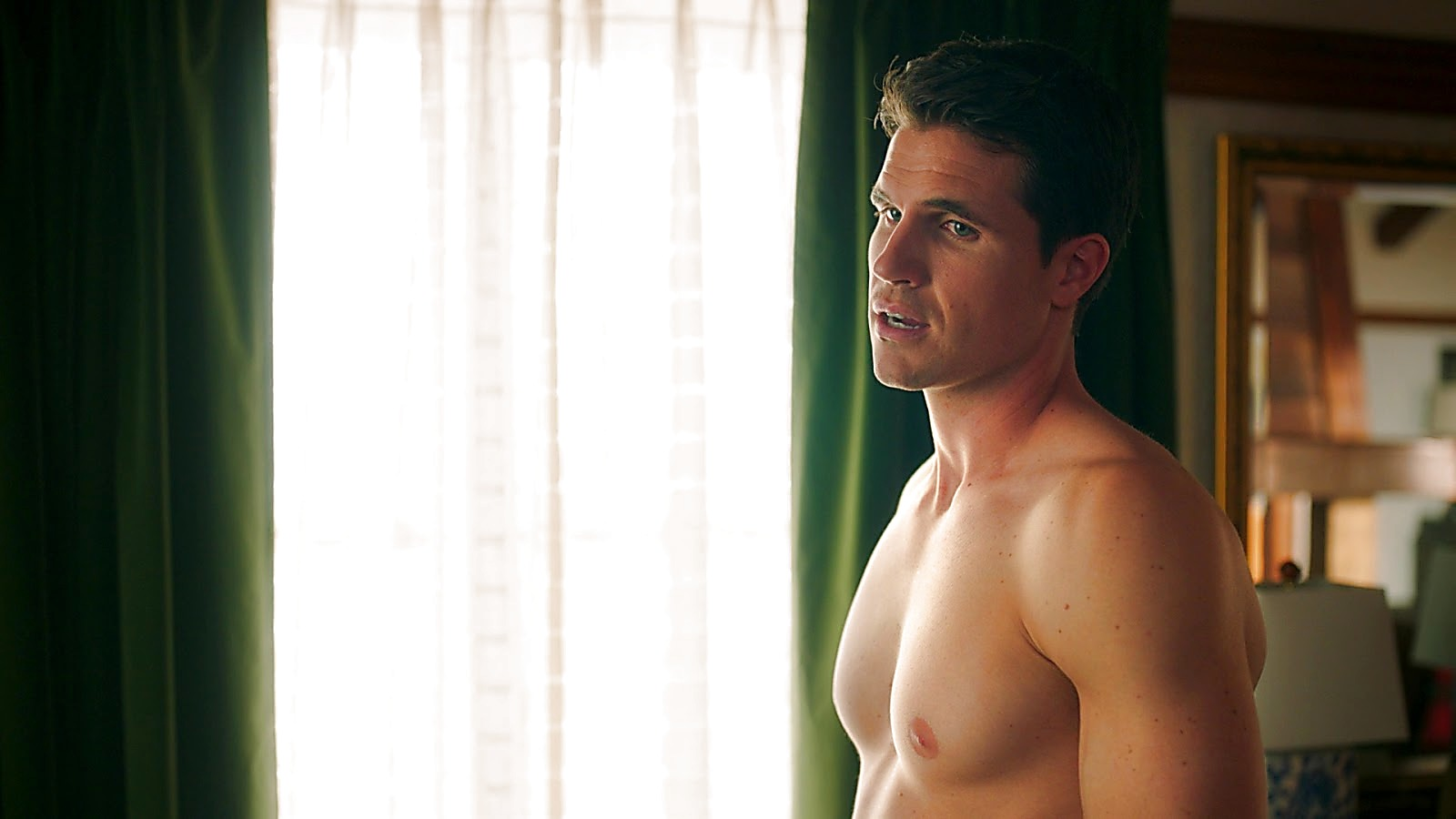 Robbie Amell sexy shirtless scene May 1, 2020, 1pm