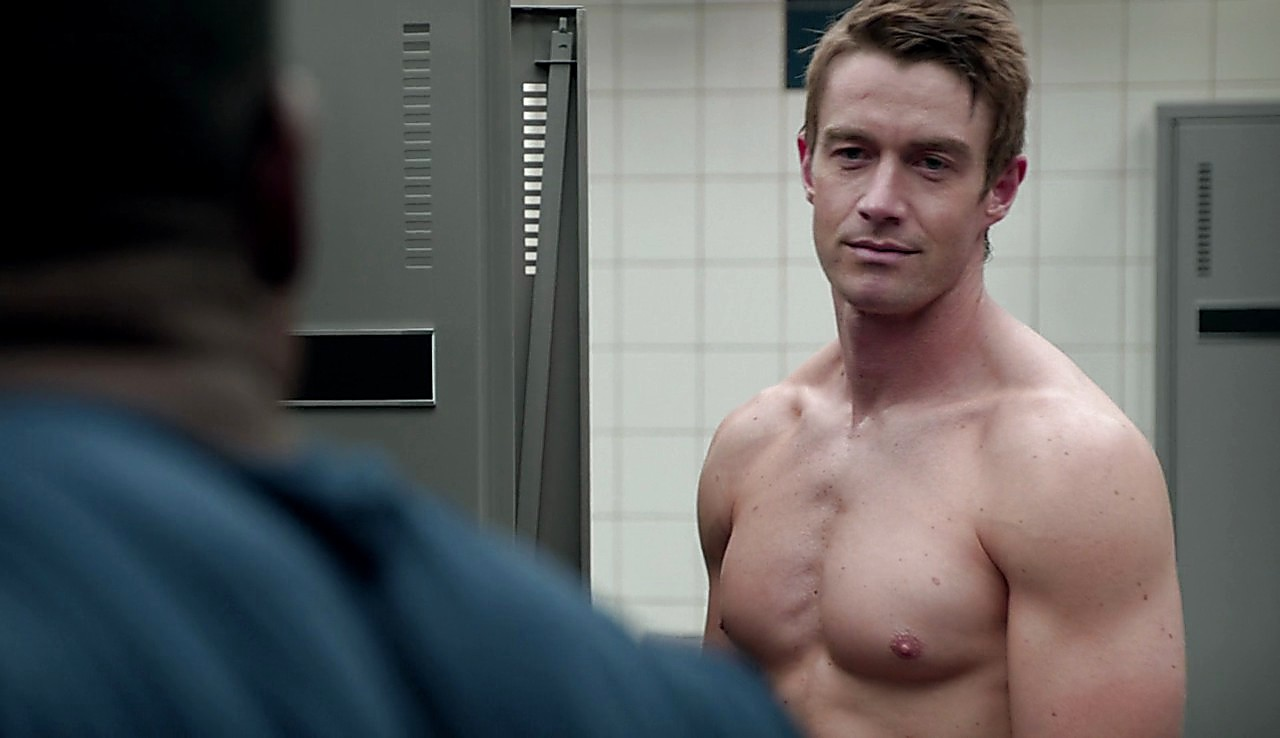 Robert Buckley latest sexy shirtless scene April 19, 2017, 2pm