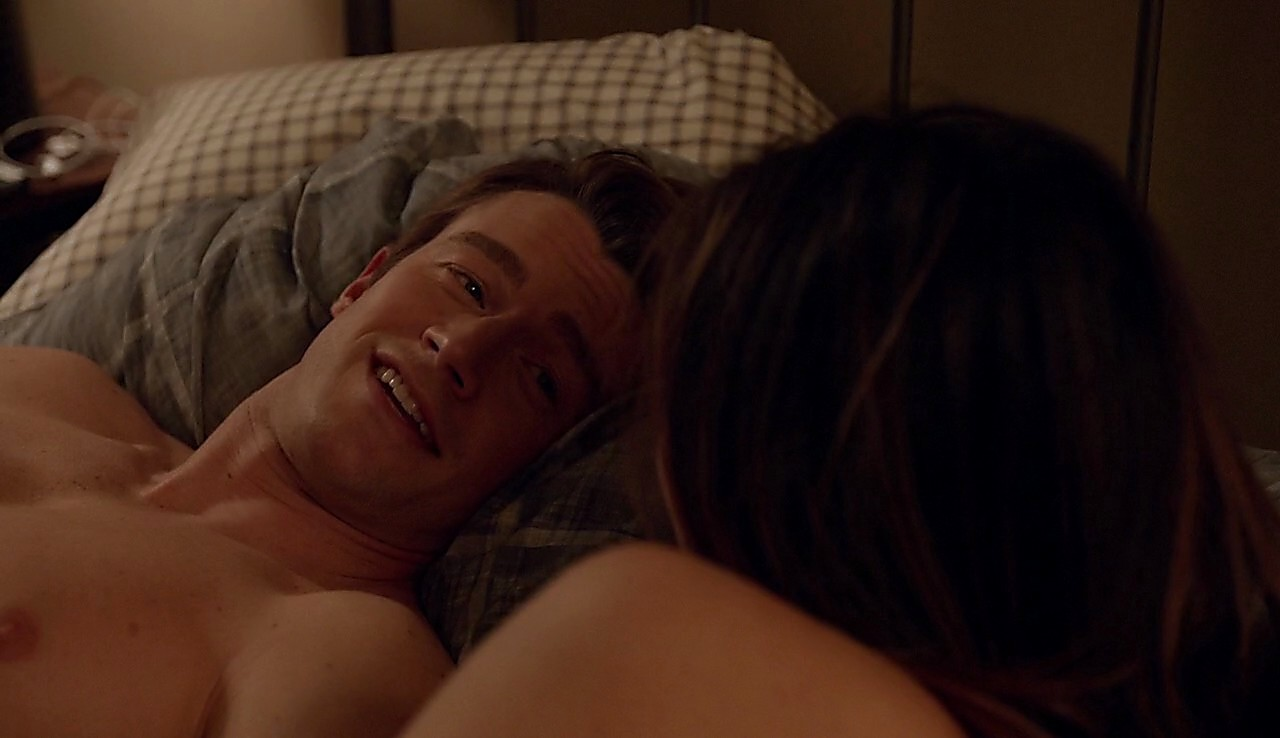 Robert Buckley latest sexy shirtless scene June 22, 2017, 1pm