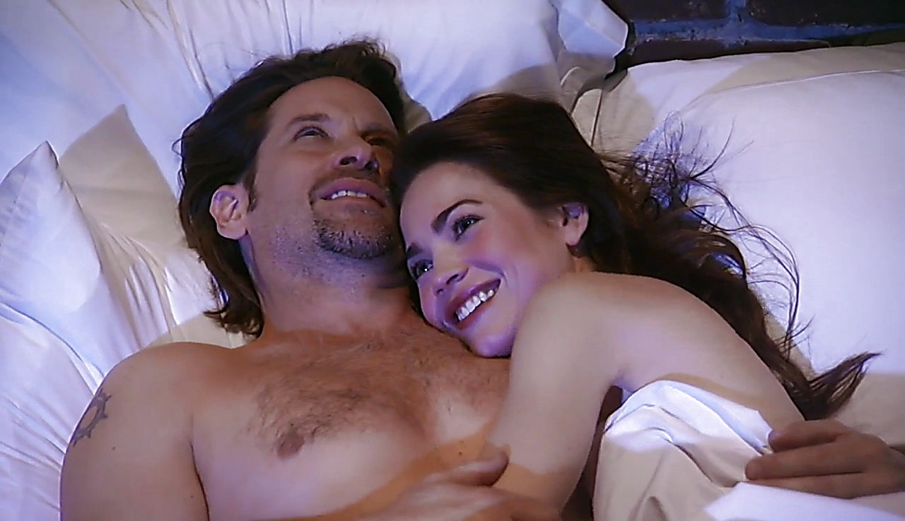 Roger Howarth sexy shirtless scene April 3, 2017, 2pm
