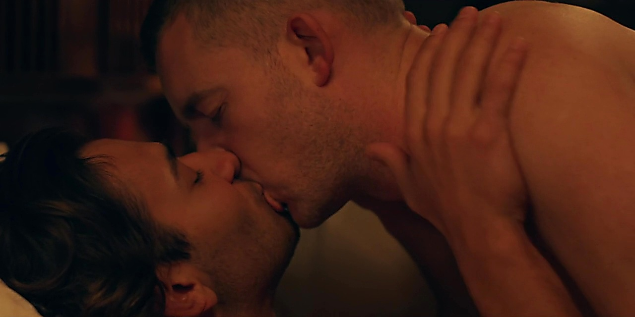 Russell Tovey sexy shirtless scene June 5, 2019, 1pm