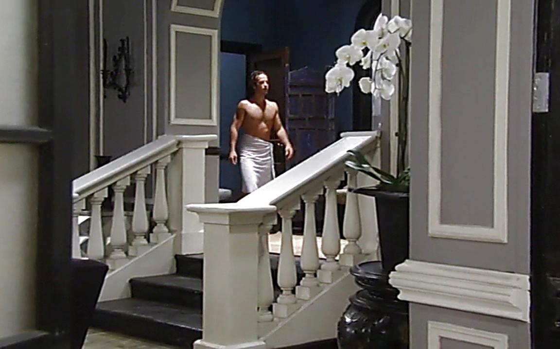 Ryan Carnes sexy shirtless scene August 10, 2014, 12am