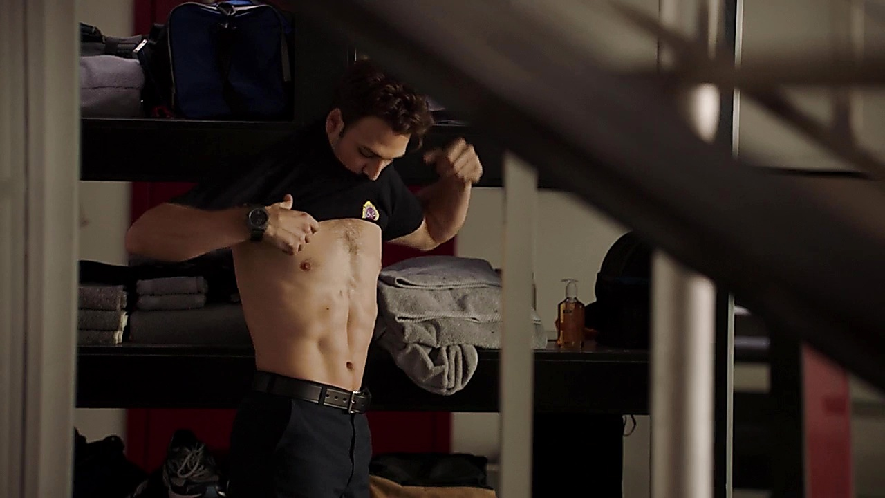 Ryan Guzman sexy shirtless scene September 25, 2018, 10am