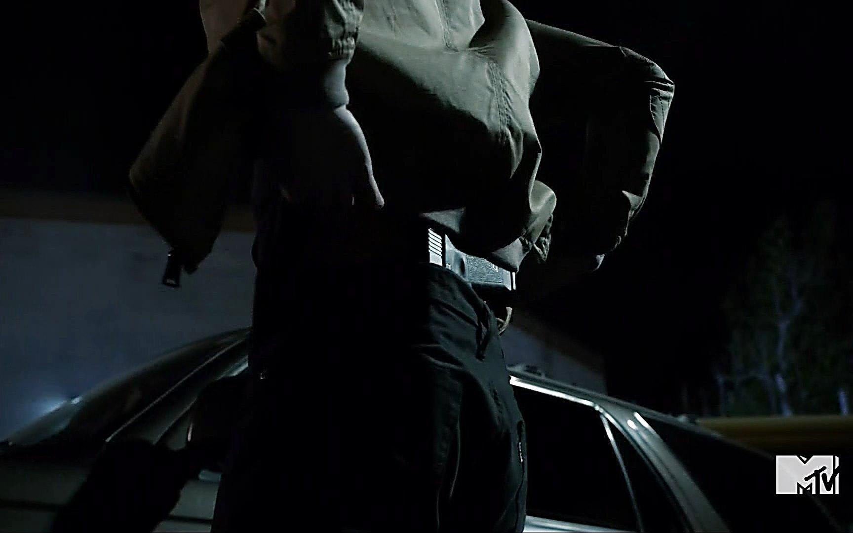 Ryan Kelley sexy shirtless scene August 4, 2015, 2am