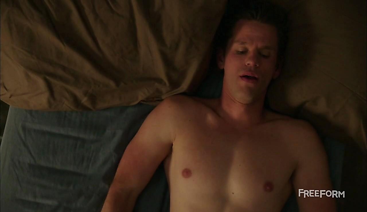 Ryan Lane sexy shirtless scene March 22, 2017, 2pm
