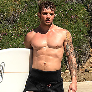Ryan Phillippe latest sexy shirtless April 4, 2017, 8pm