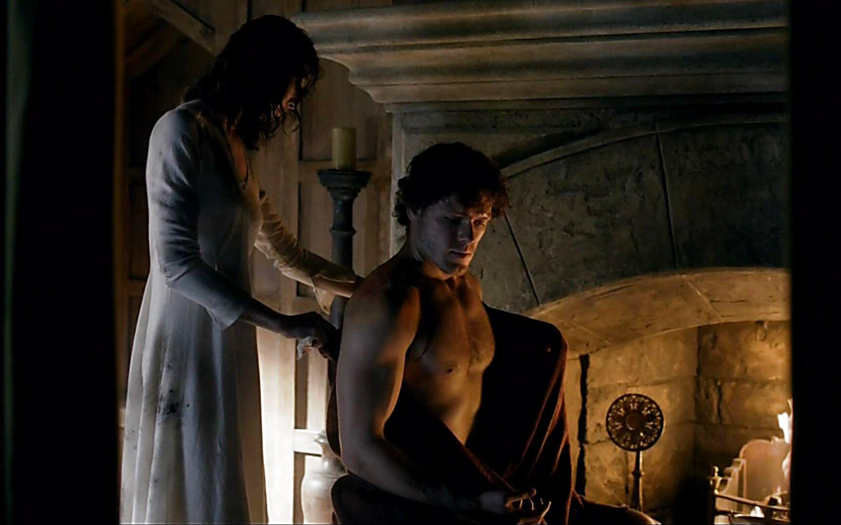 Sam Heughan sexy shirtless scene January 3, 2015, 5pm