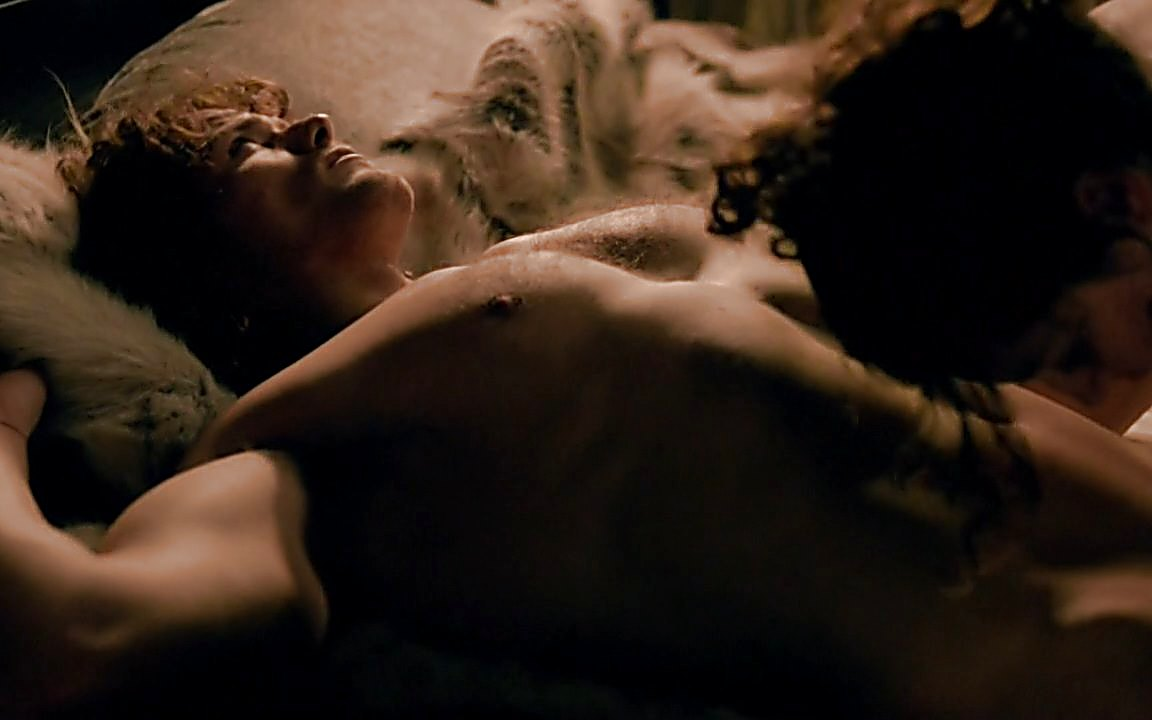 Sam Heughan sexy shirtless scene January 3, 2015, 5pm