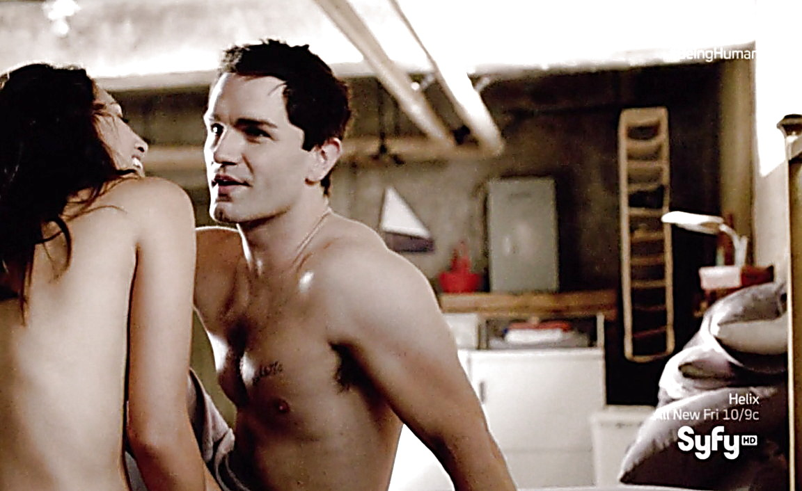 Sam Witwer sexy shirtless scene March 9, 2014, 5pm