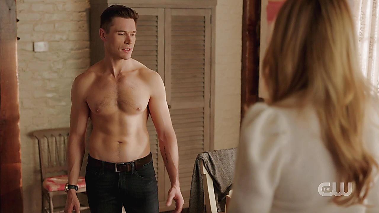 Sam Underwood sexy shirtless scene February 1, 2020, 8am