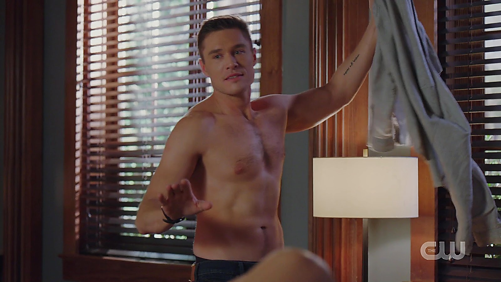 Sam Underwood sexy shirtless scene February 22, 2020, 8am