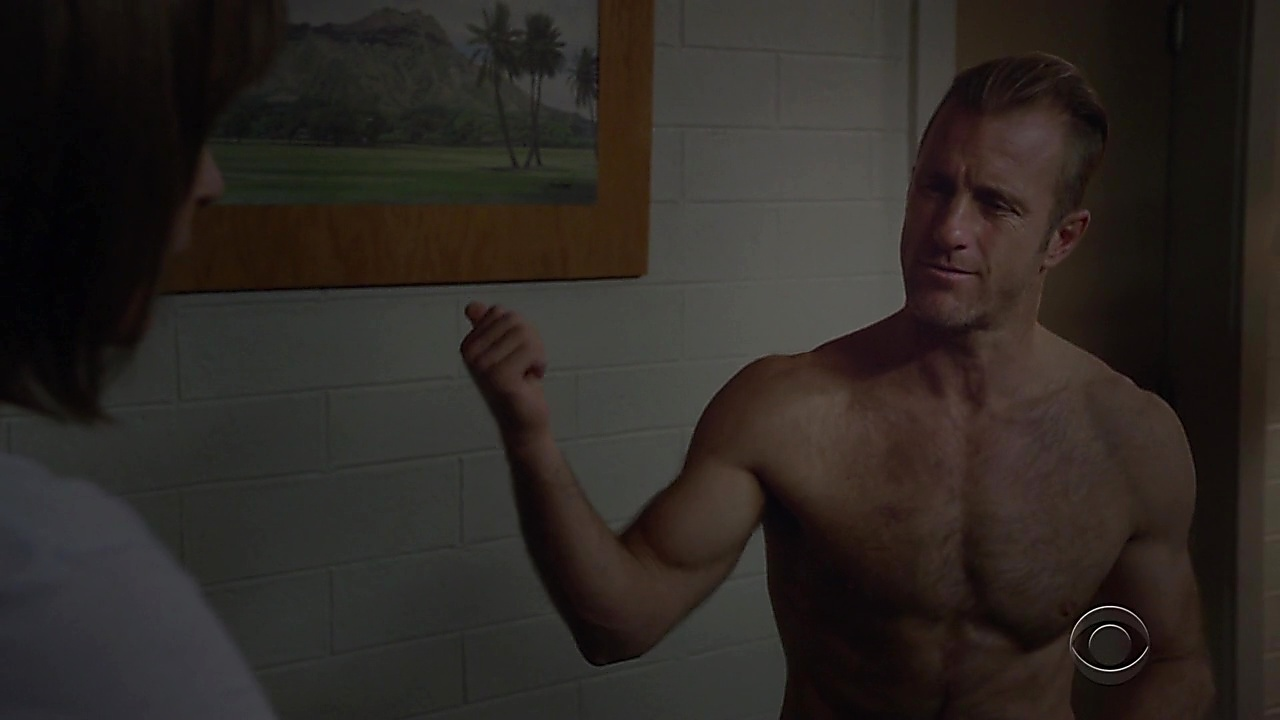 Scott Caan sexy shirtless scene January 12, 2019, 10am