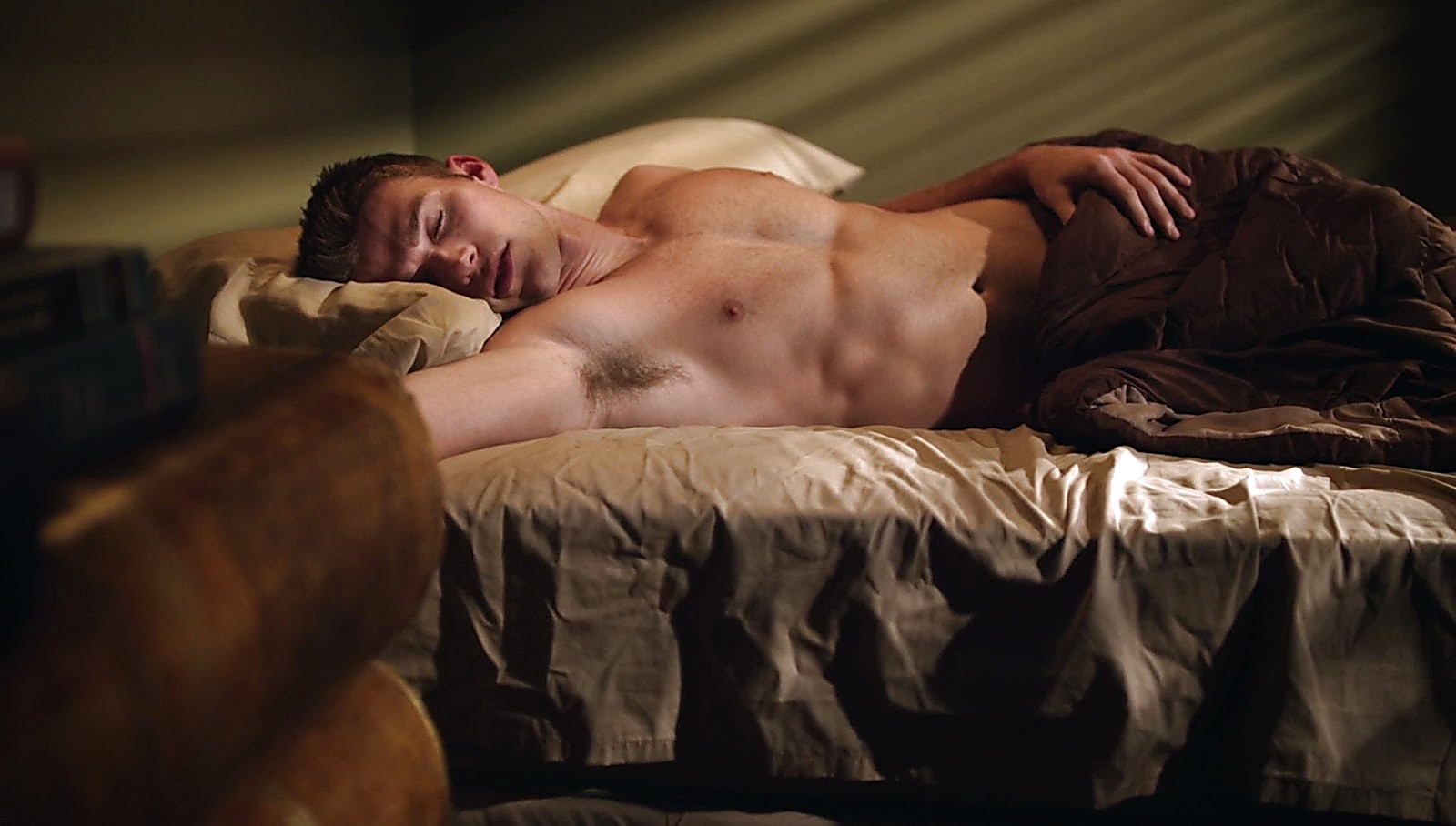 Scott Eastwood latest sexy shirtless scene March 24, 2017, 4pm