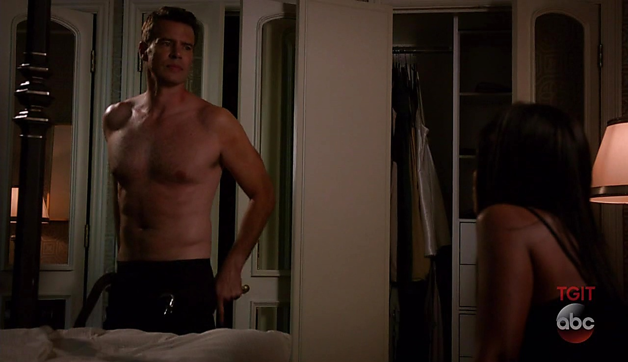 Scott Foley sexy shirtless scene October 6, 2017, 3pm