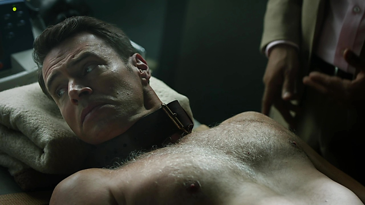Scott Foley sexy shirtless scene April 25, 2019, 11am