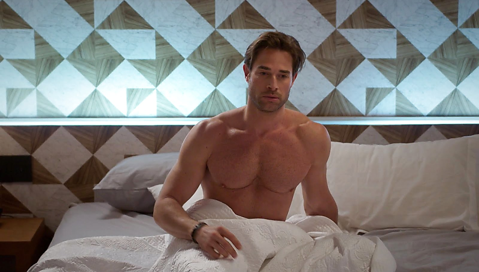 Sebastian Rulli sexy shirtless scene January 22, 2018, 1pm
