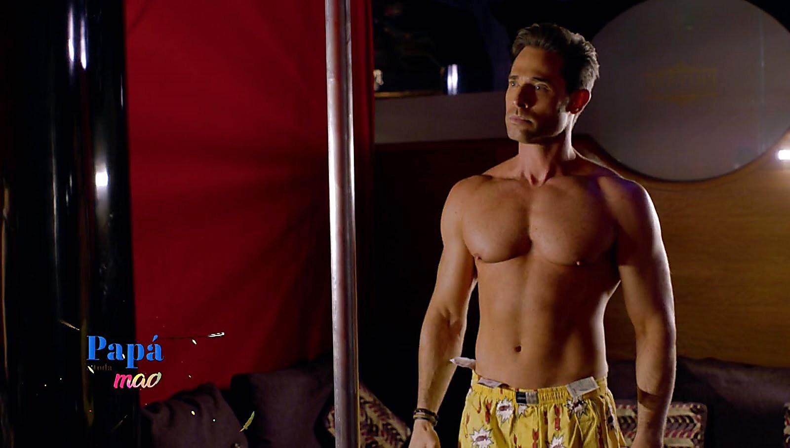 Sebastian Rulli sexy shirtless scene March 25, 2018, 1pm