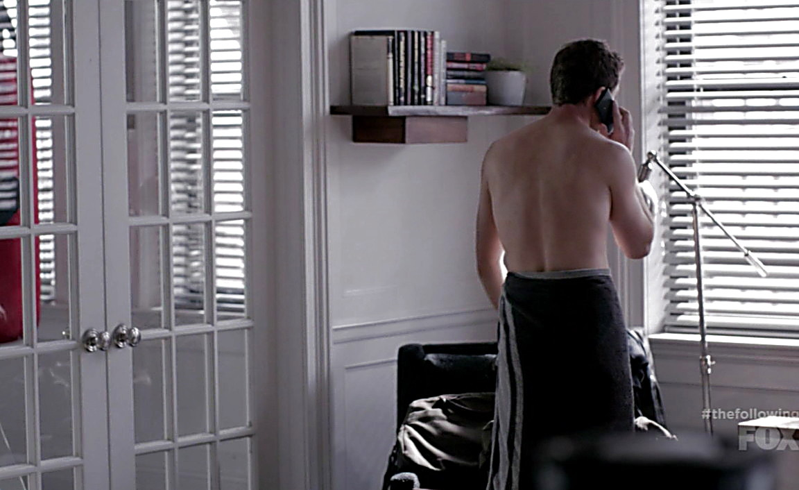 Shawn Ashmore sexy shirtless scene March 23, 2014, 6pm