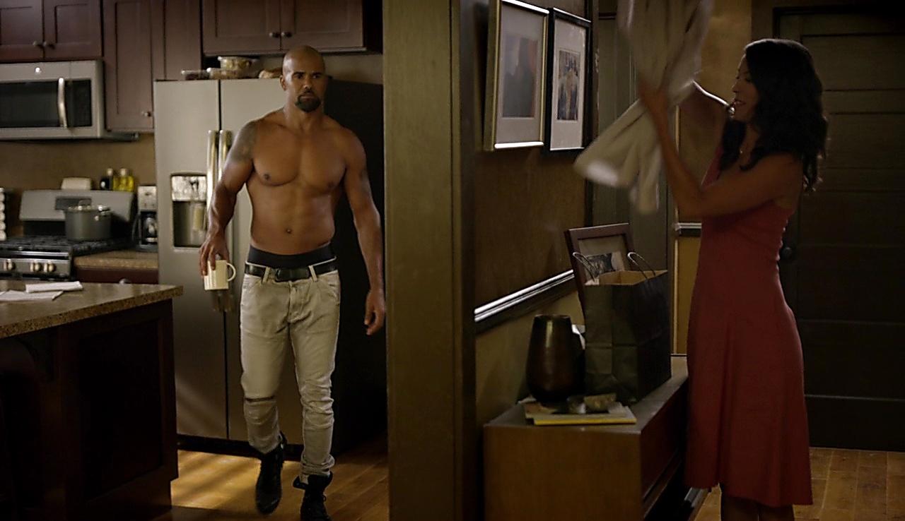 Shemar Moore sexy shirtless scene November 27, 2017, 3pm