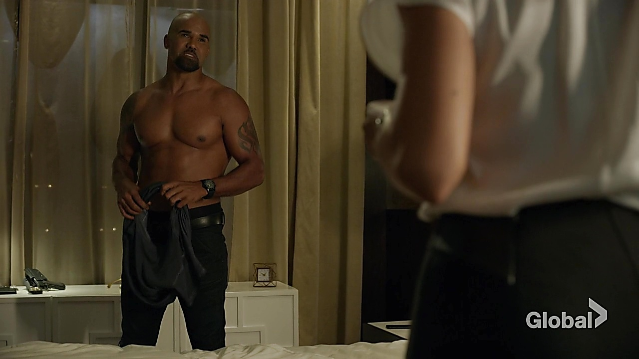 Shemar Moore sexy shirtless scene November 30, 2018, 12pm