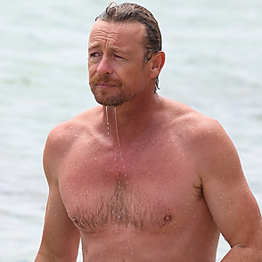 Simon Baker latest sexy shirtless December 13, 2020, 8pm