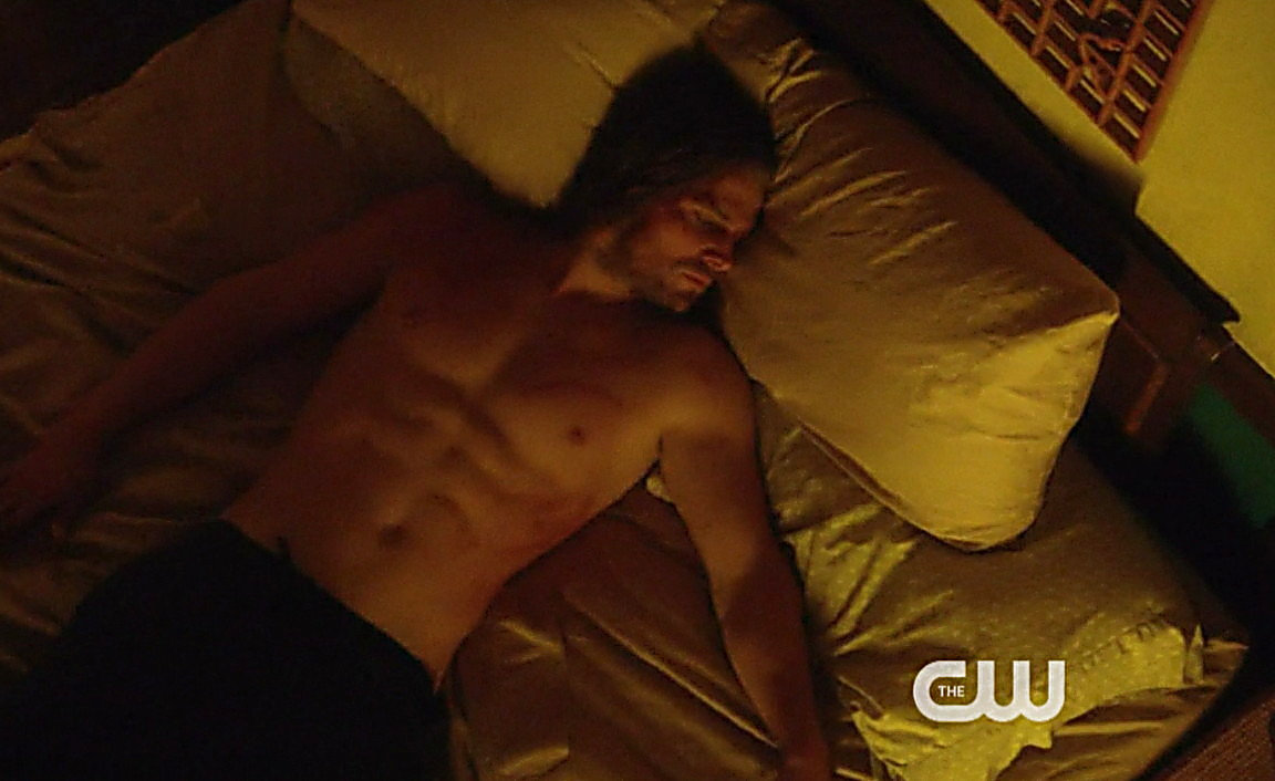 Colton Haynes sexy shirtless scene May 15, 2014, 3pm