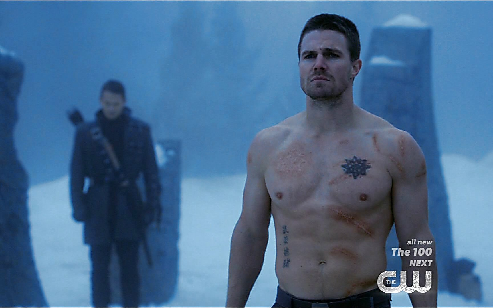 Stephen Amell sexy shirtless scene January 3, 2015, 2pm