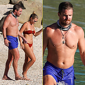 Stephen Amell latest sexy shirtless December 15, 2020, 6pm