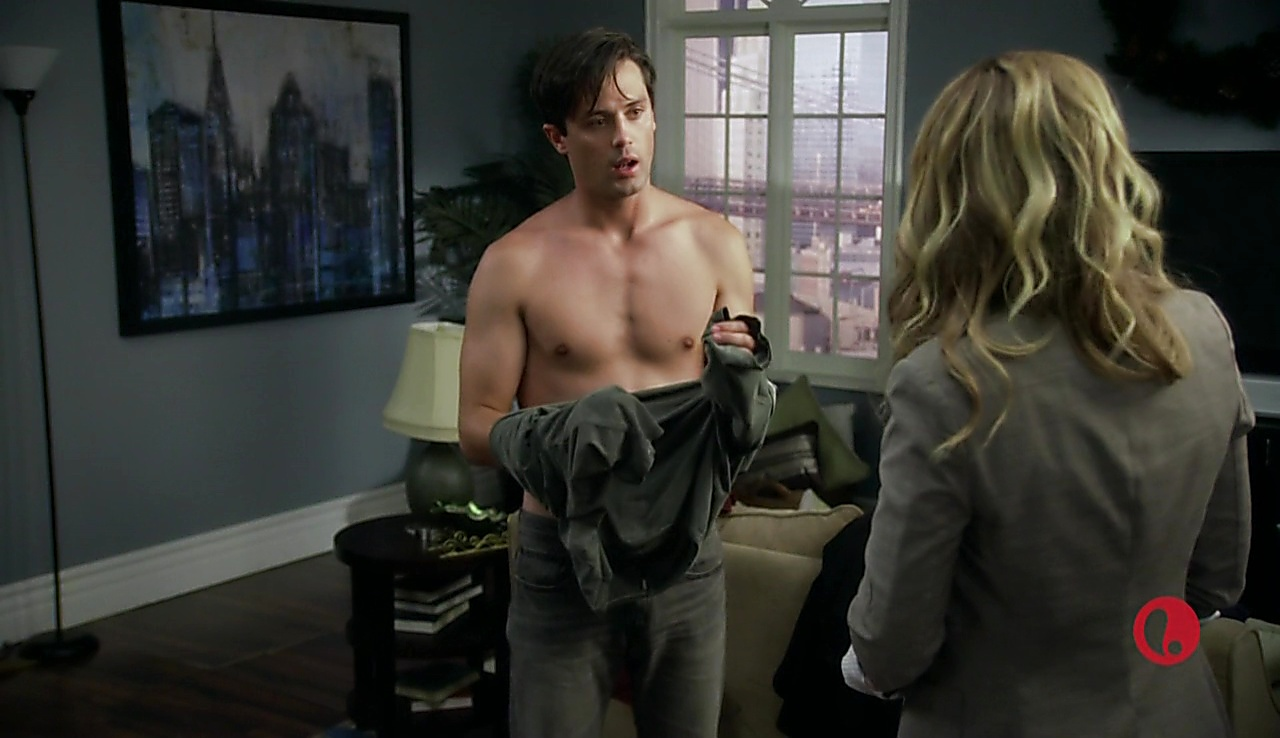 Stephen Colletti sexy shirtless scene October 31, 2017, 2pm