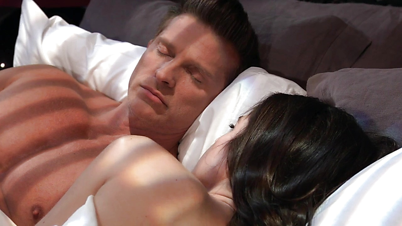 Steve Burton sexy shirtless scene January 28, 2019, 12pm