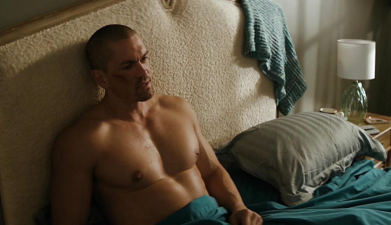 Steve Howey sexy shirtless scene January 18, 2018, 11am