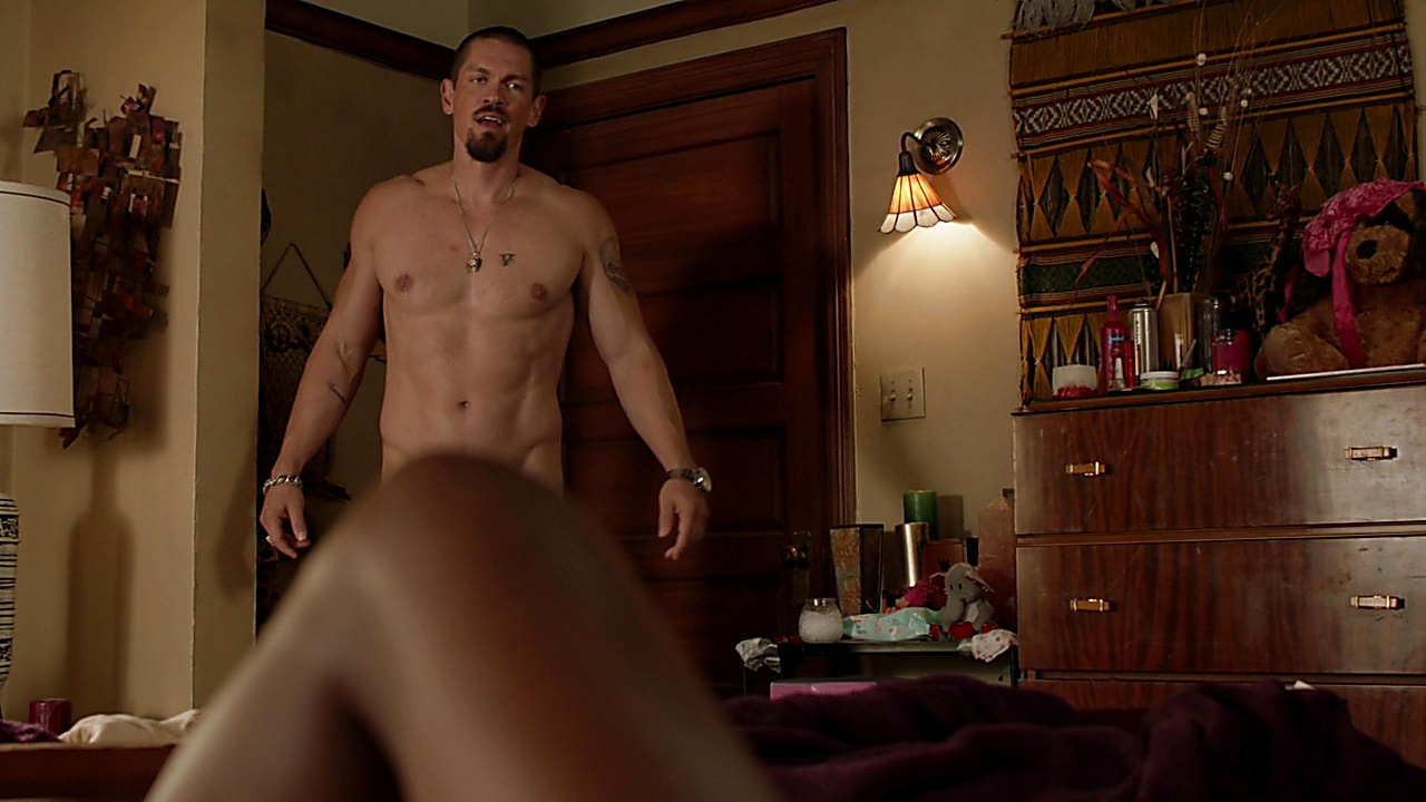 Steve Howey Shameless S09E14 2019 03 10 0