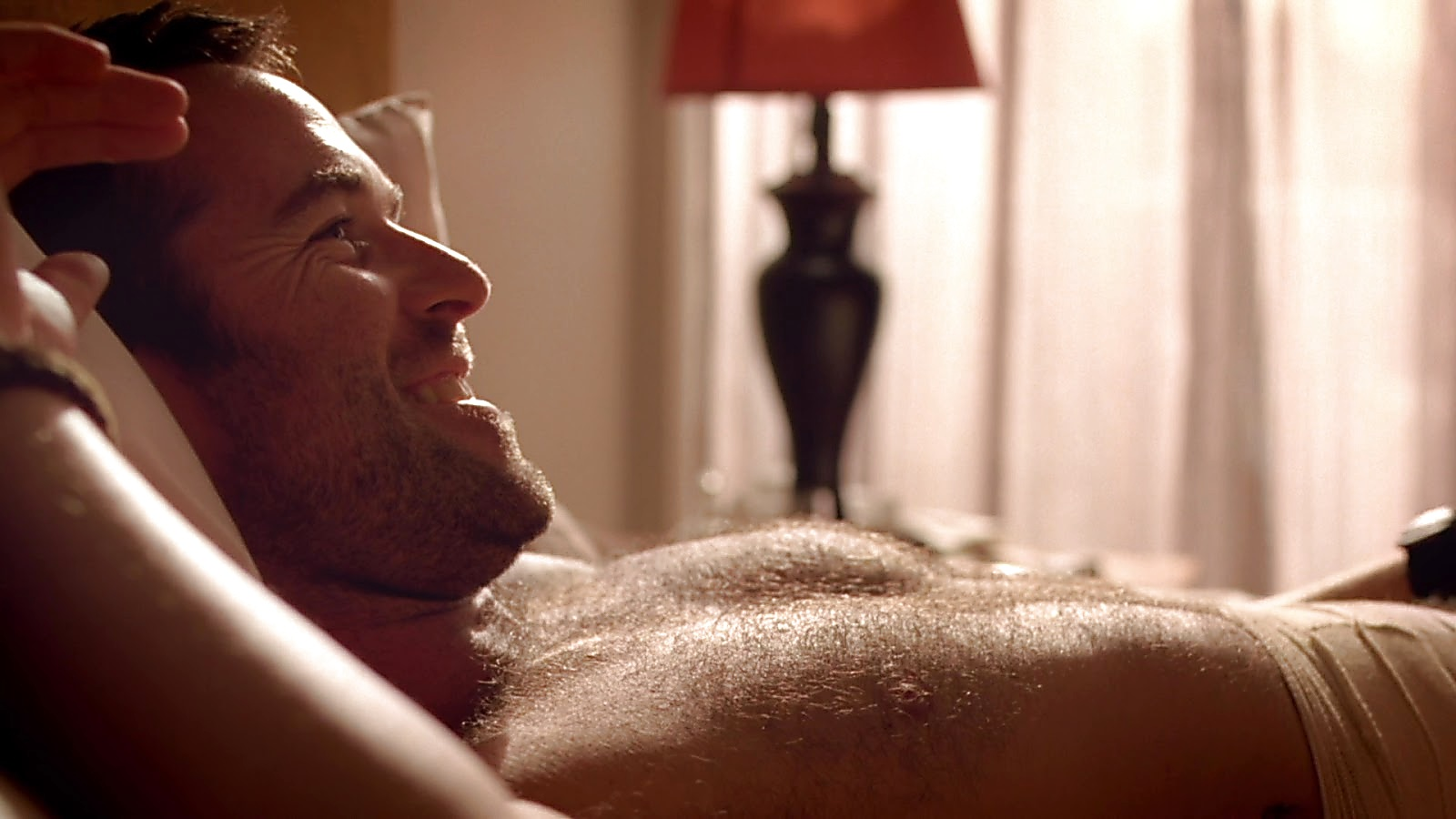 Sullivan Stapleton sexy shirtless scene March 1, 2020, 1pm