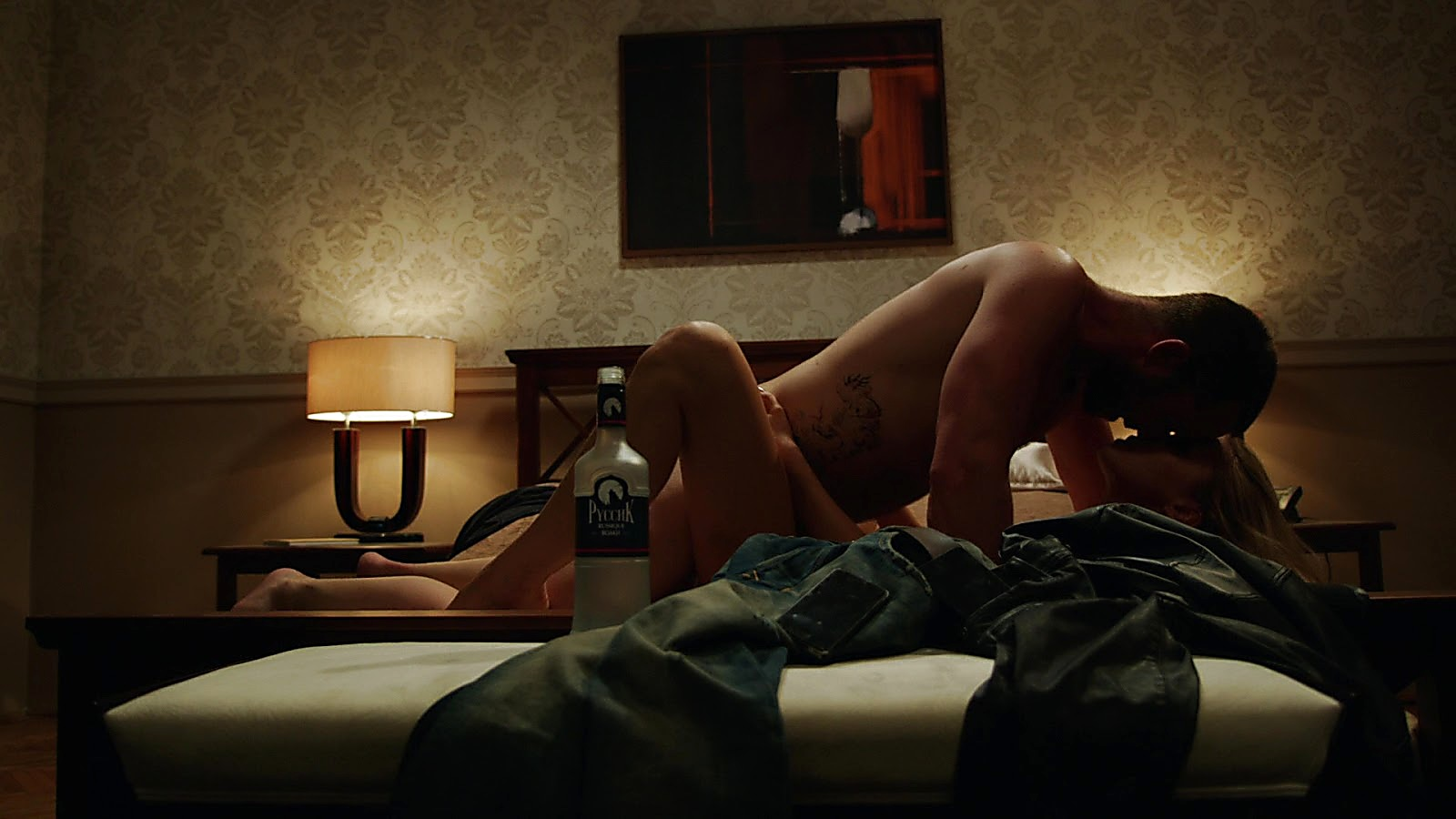 Sullivan Stapleton sexy shirtless scene April 6, 2020, 6am