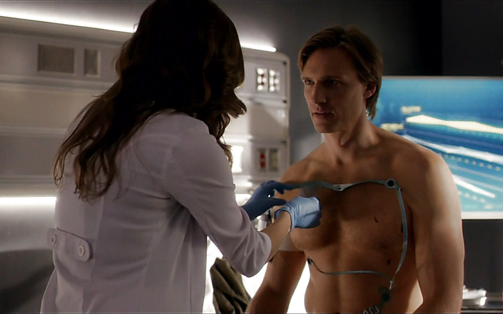 Teddy Sears sexy shirtless scene October 17, 2015, 8pm
