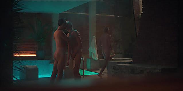 Thomas Doherty sexy shirtless scene July 18, 2021, 7am