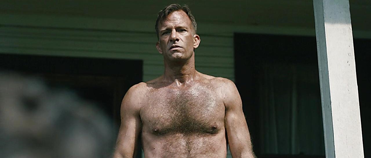 Thomas Jane sexy shirtless scene October 29, 2017, 4pm