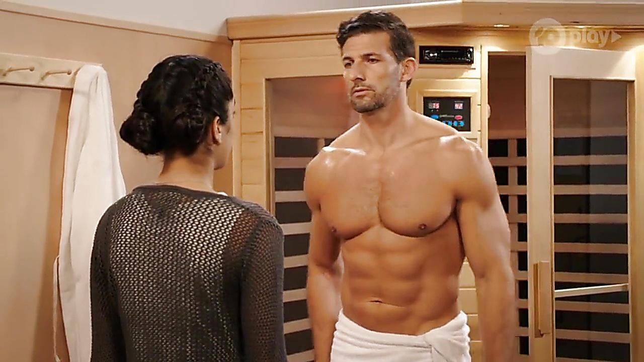 Tim Robards sexy shirtless scene November 6, 2018, 3pm