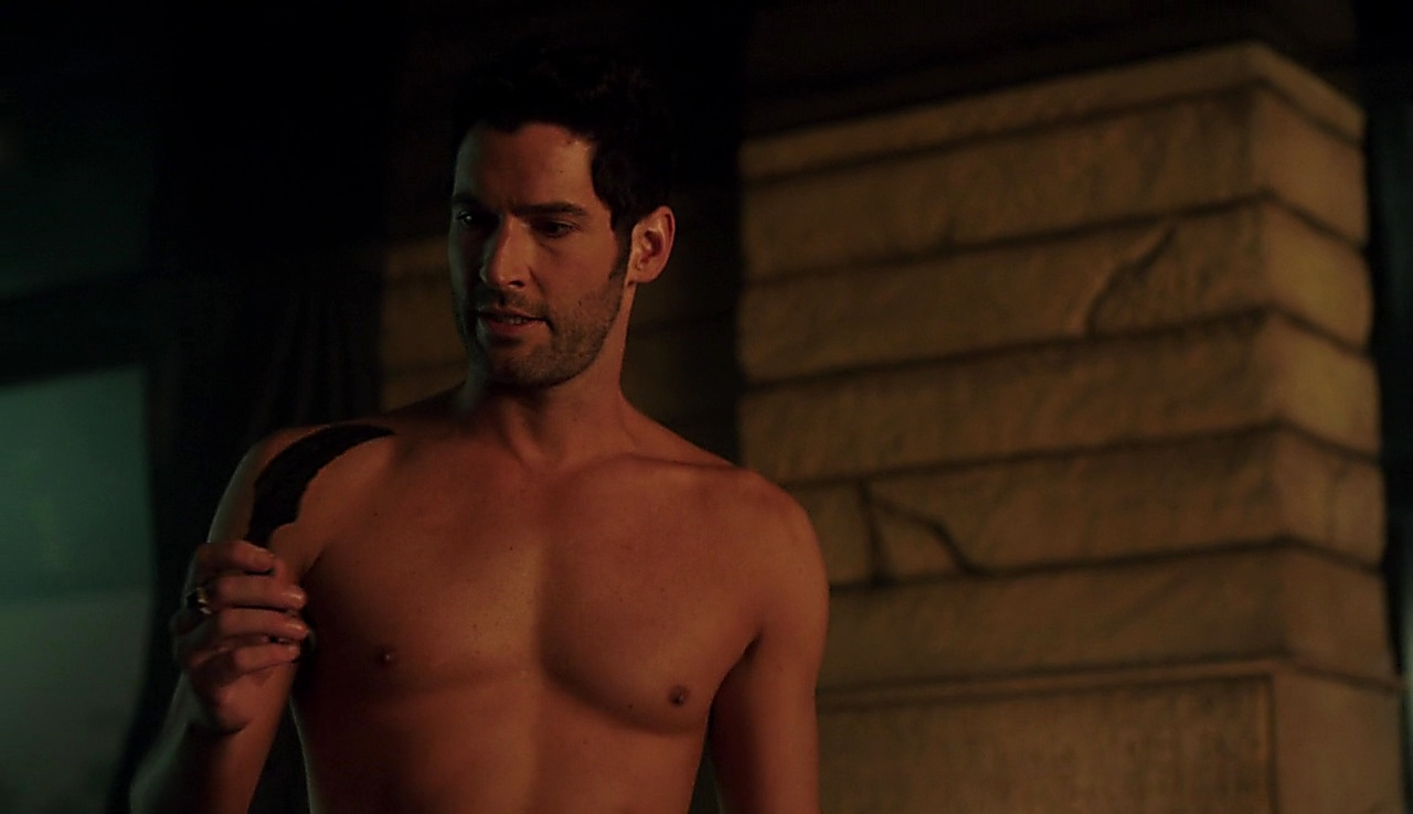 Tom Ellis sexy shirtless scene October 9, 2017, 1pm