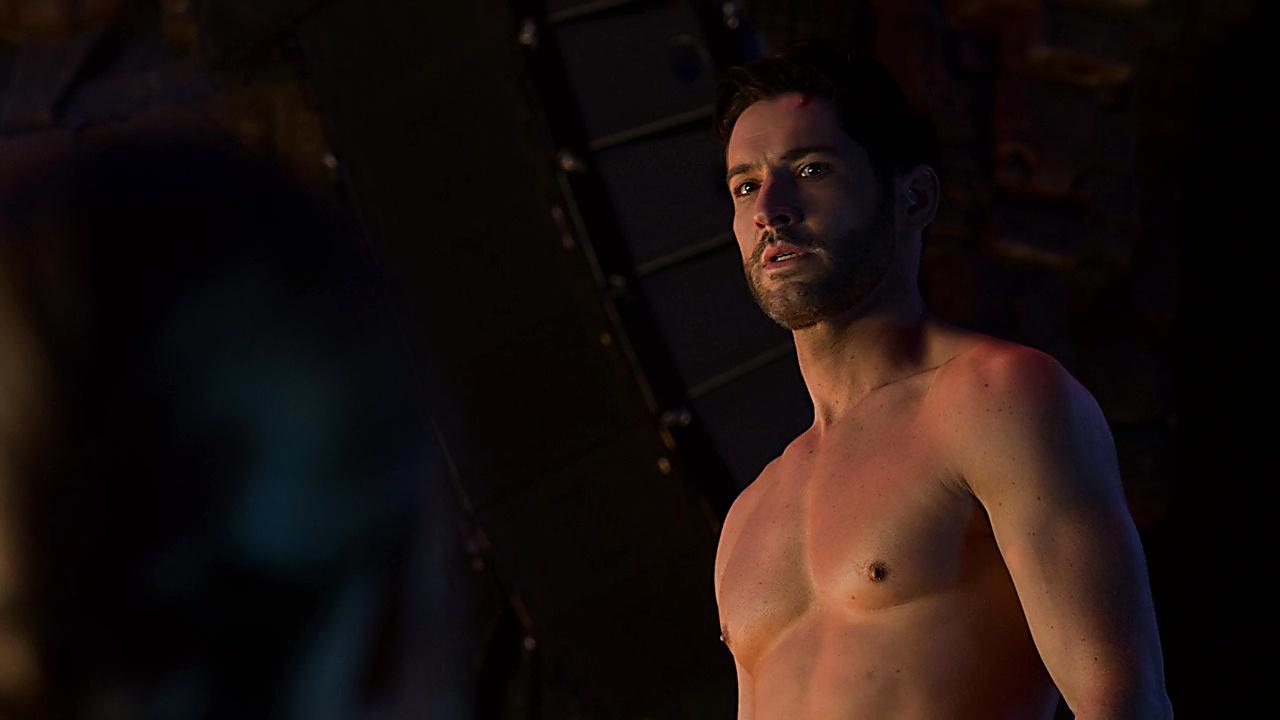 Tom Ellis sexy shirtless scene May 8, 2019, 12pm
