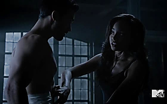 Tyler Hoechlin sexy shirtless scene August 17, 2014, 10pm