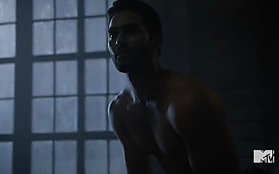 Tyler Hoechlin sexy shirtless scene September 7, 2014, 3pm
