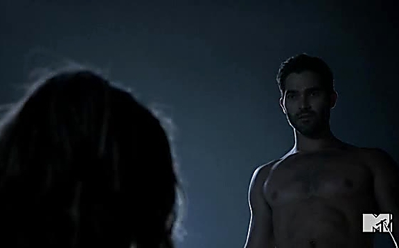 Tyler Hoechlin sexy shirtless scene September 16, 2014, 12pm