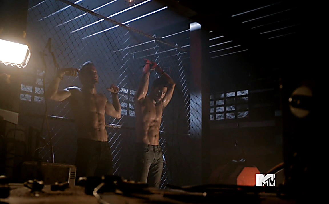 Tyler Hoechlin sexy shirtless scene January 18, 2014, 6pm