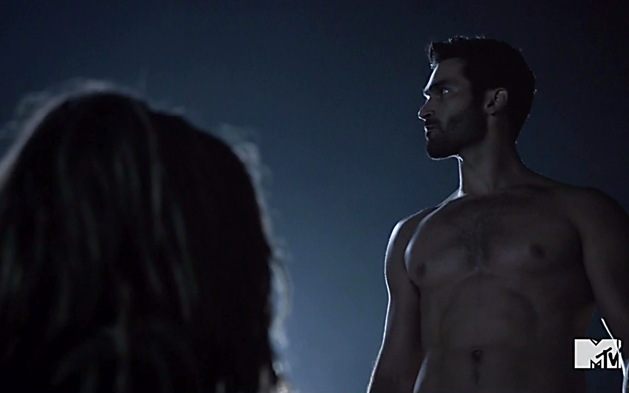 Tyler Hoechlin sexy shirtless scene September 28, 2014, 8pm