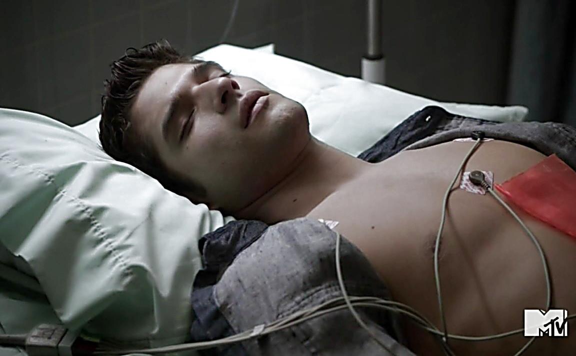 Tyler Hoechlin sexy shirtless scene August 12, 2014, 1am